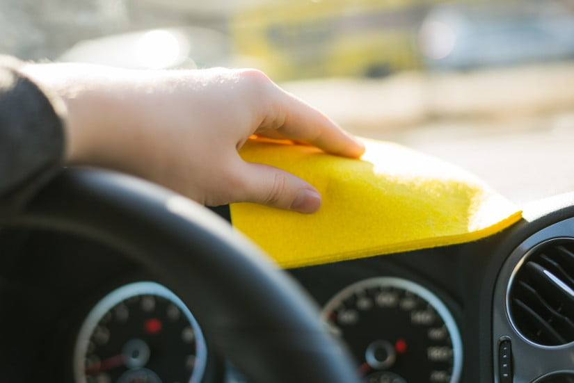 auton puhdistaminen kalvottamista varten